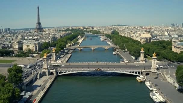 Letecký pohled na Paříž, Francie s řeku Seinu