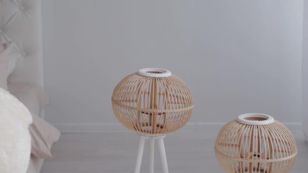 Krásné dřevěné lampy. Nový design.