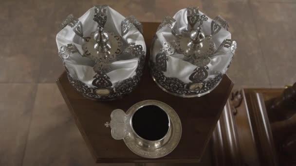 Silver crowns for church weddings.