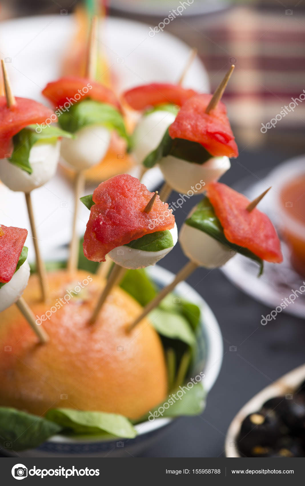 Tomaten-Mozzarella-Spieß — Stockfoto © columbo #155958788