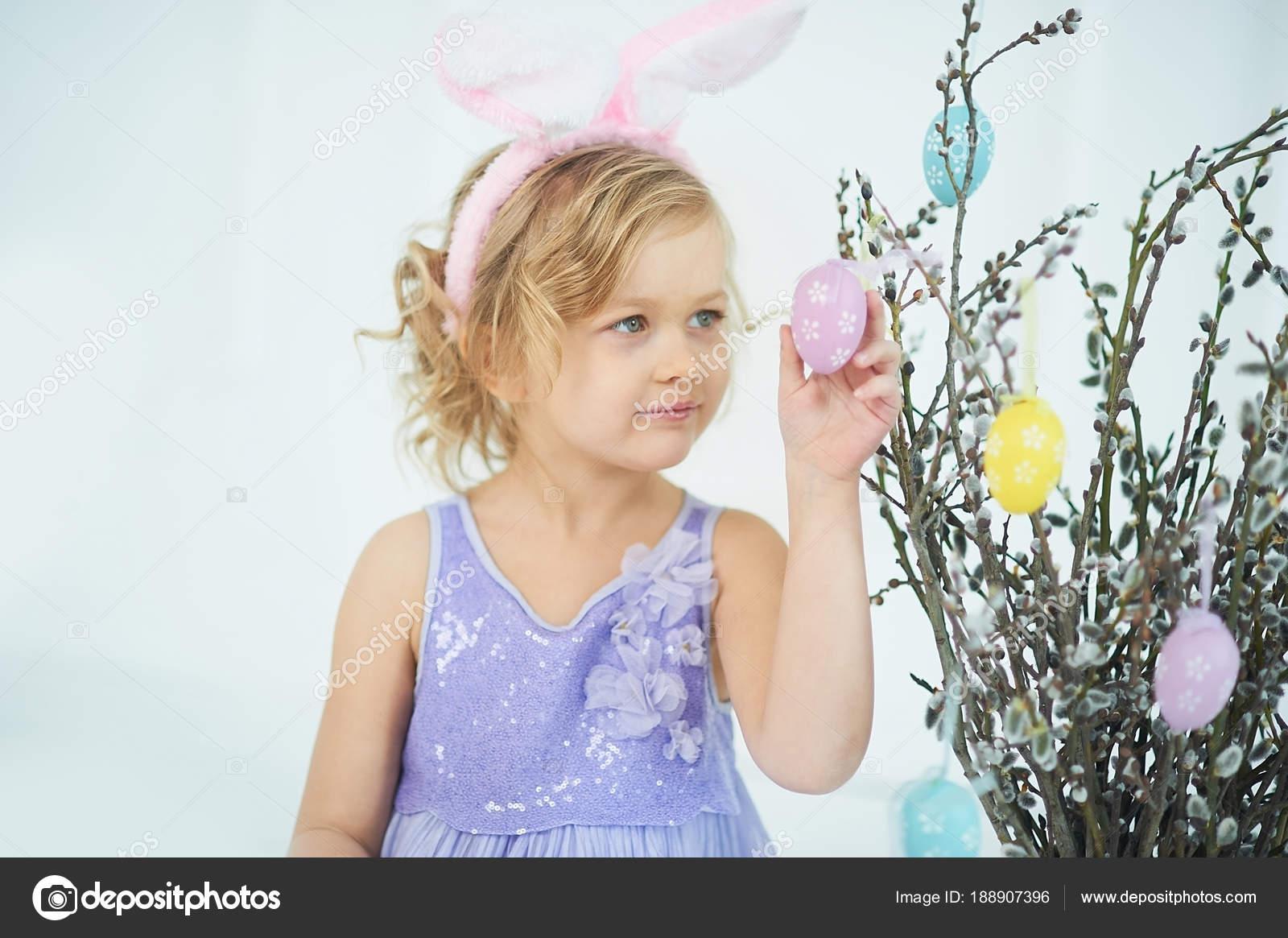κορίτσι κορίτσι μουνί βλέπει μεγάλο καβλί