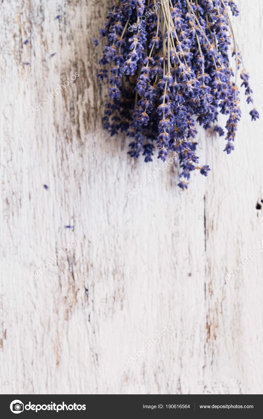 Lavender Flowers Bouquet On Rustic Background Overhead Stock Photo Image By C Serenko Nata 190616564