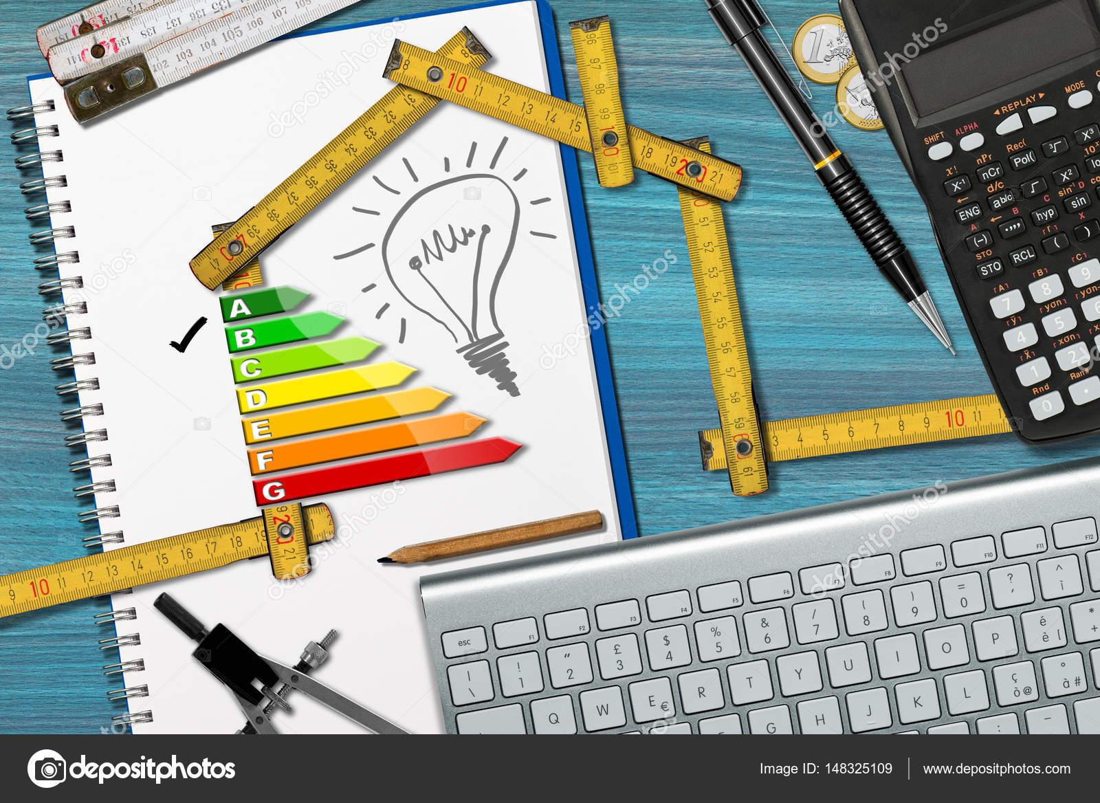 Efficienza energetica - progetto di casa ecologica — Foto Stock ...