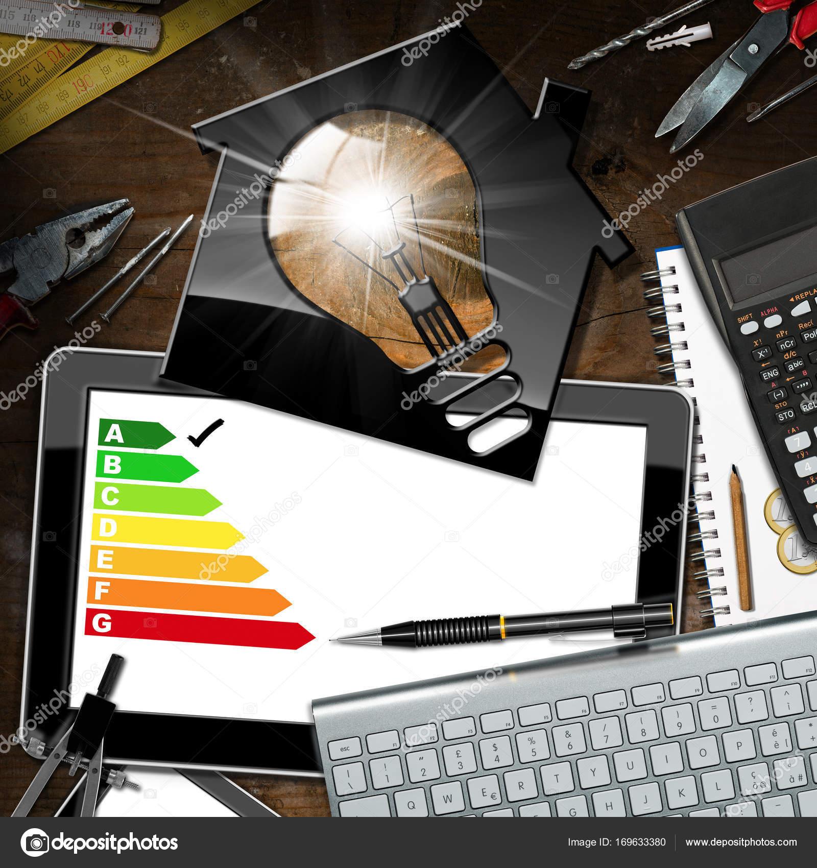 Energieeffizienzklasse Haus Mit Gluhbirne Stockfoto C Catalby