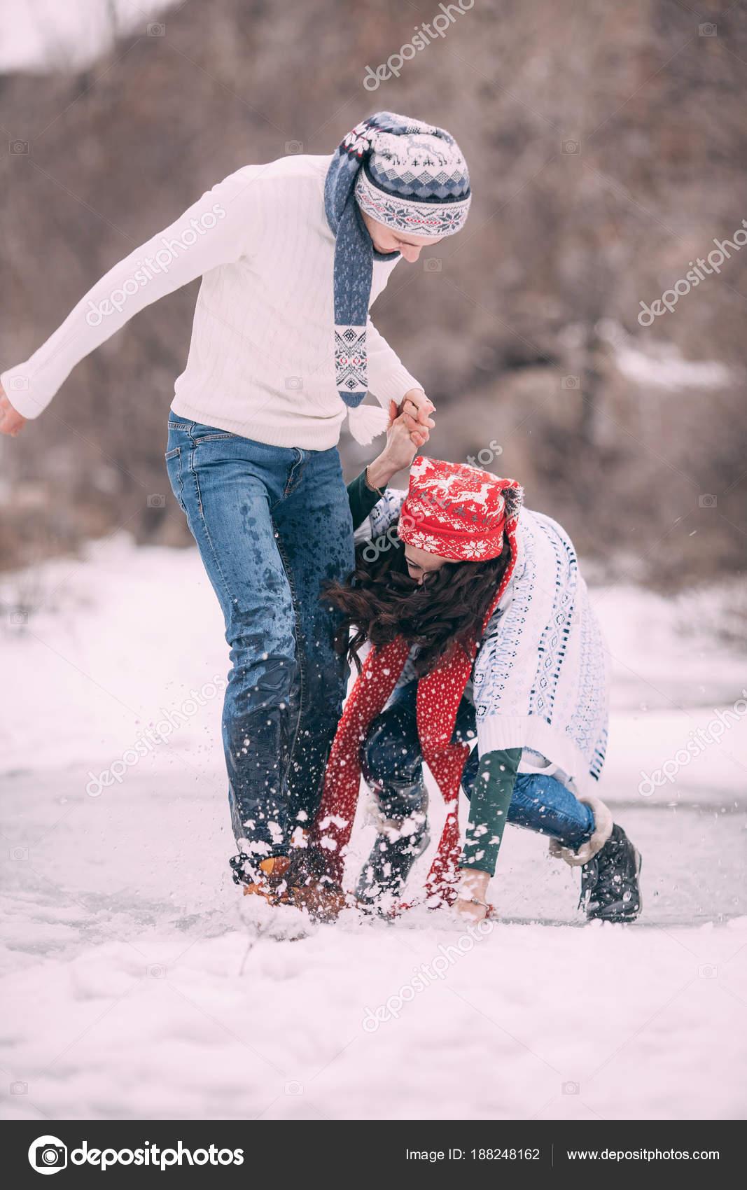 dívky stříkající na sebe