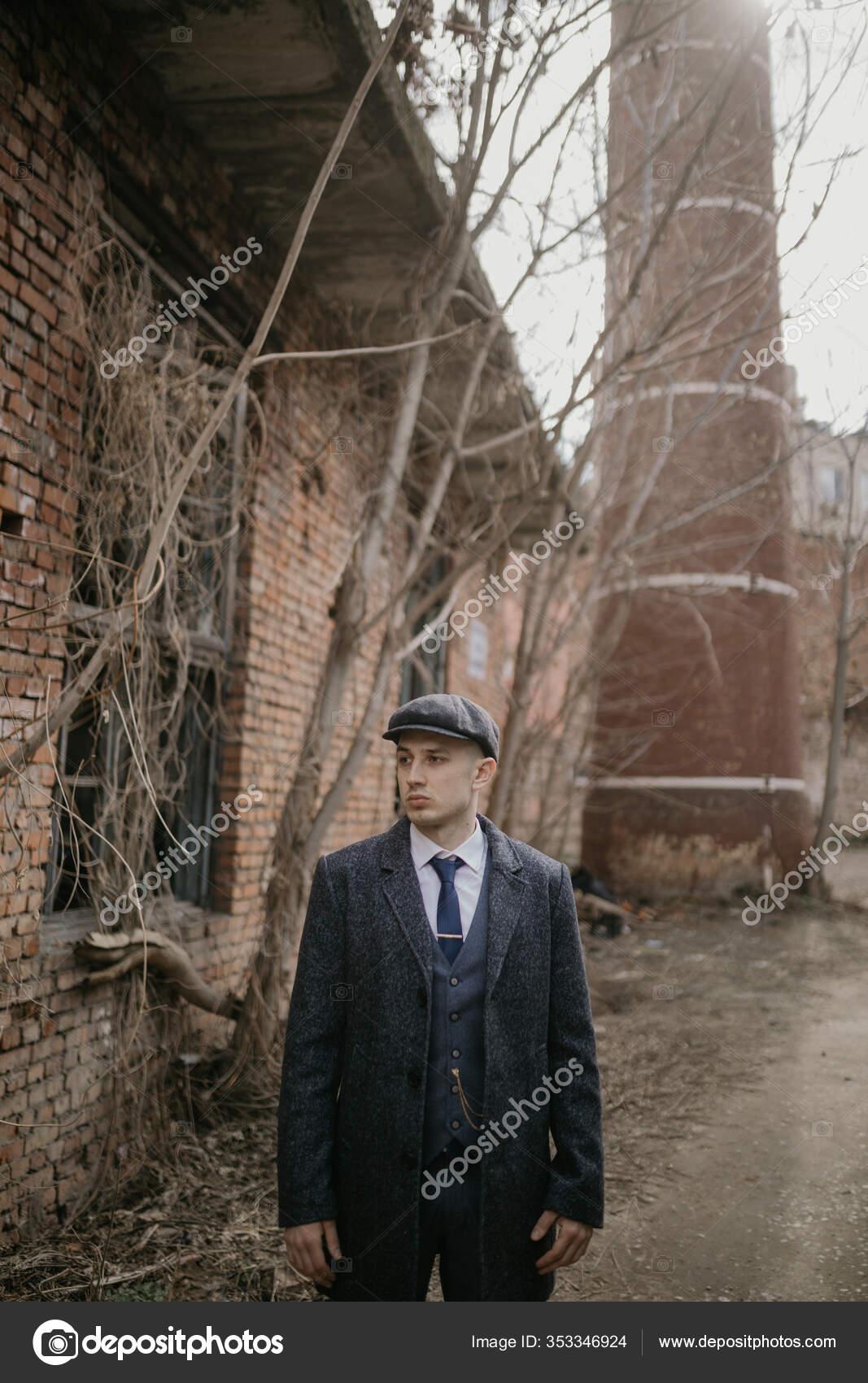 Man Posing Image English Retro Gangster 1920s Dressed Peaky Blinders Stock Photo C Stasia04 353346924