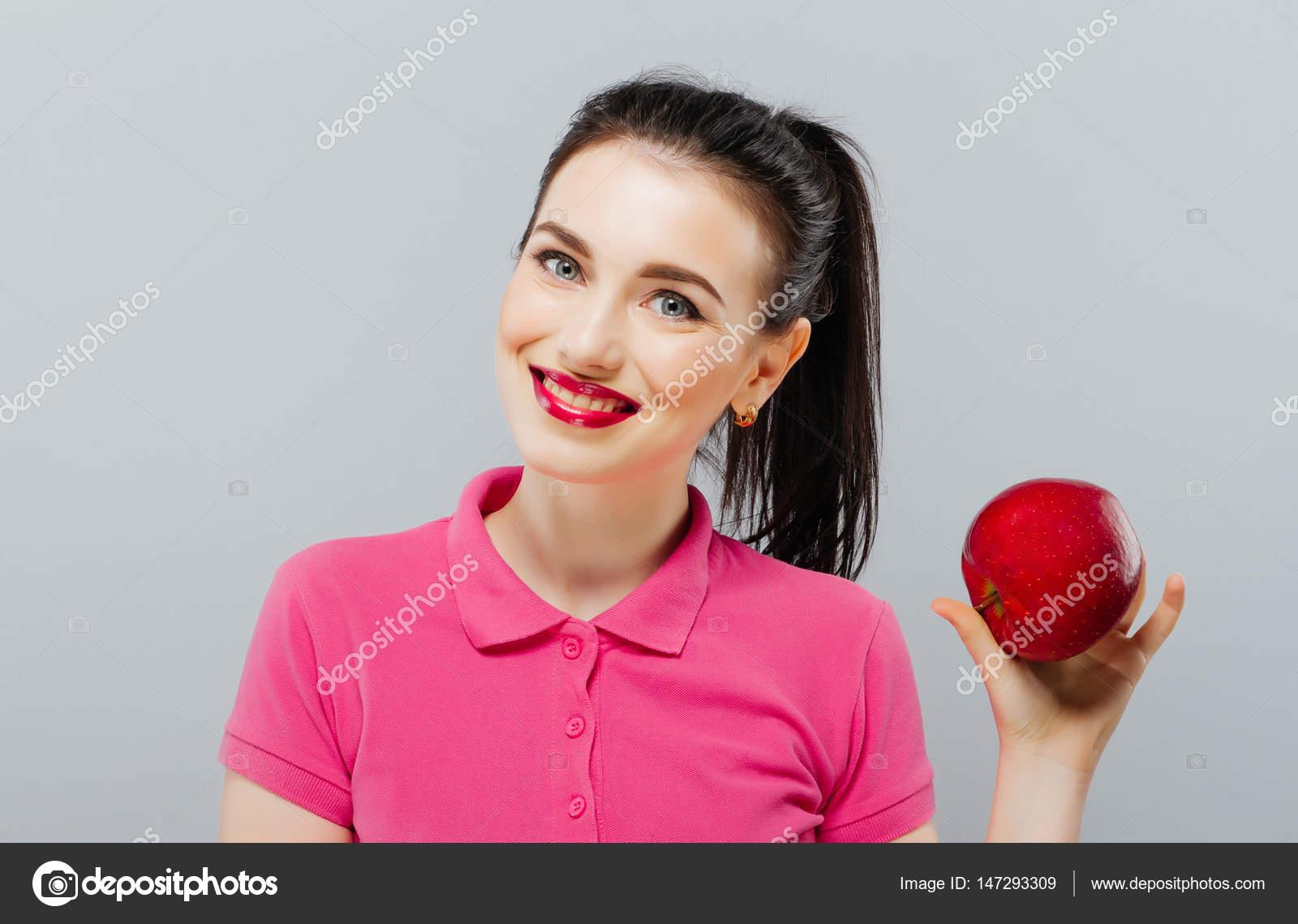 Молодий Красива сексуальна дівчина з темним волоссям b1d91bbf86b48