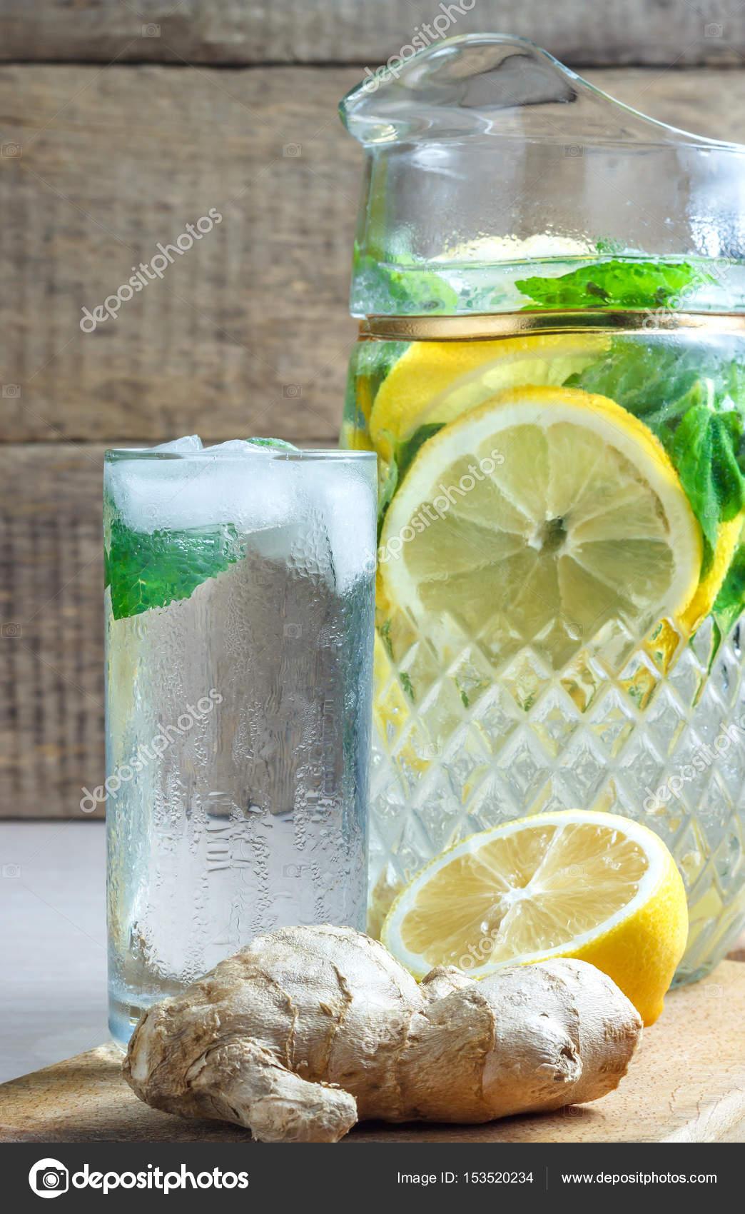 di te boissons jus citron concombre menthe gingembre glace sant minceur vitamines. Black Bedroom Furniture Sets. Home Design Ideas