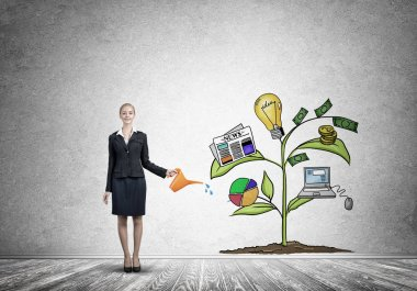 businesswoman presenting investment growth concept