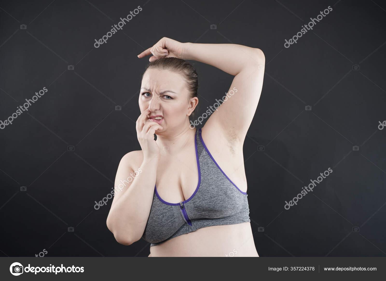 Unrasierte Frau