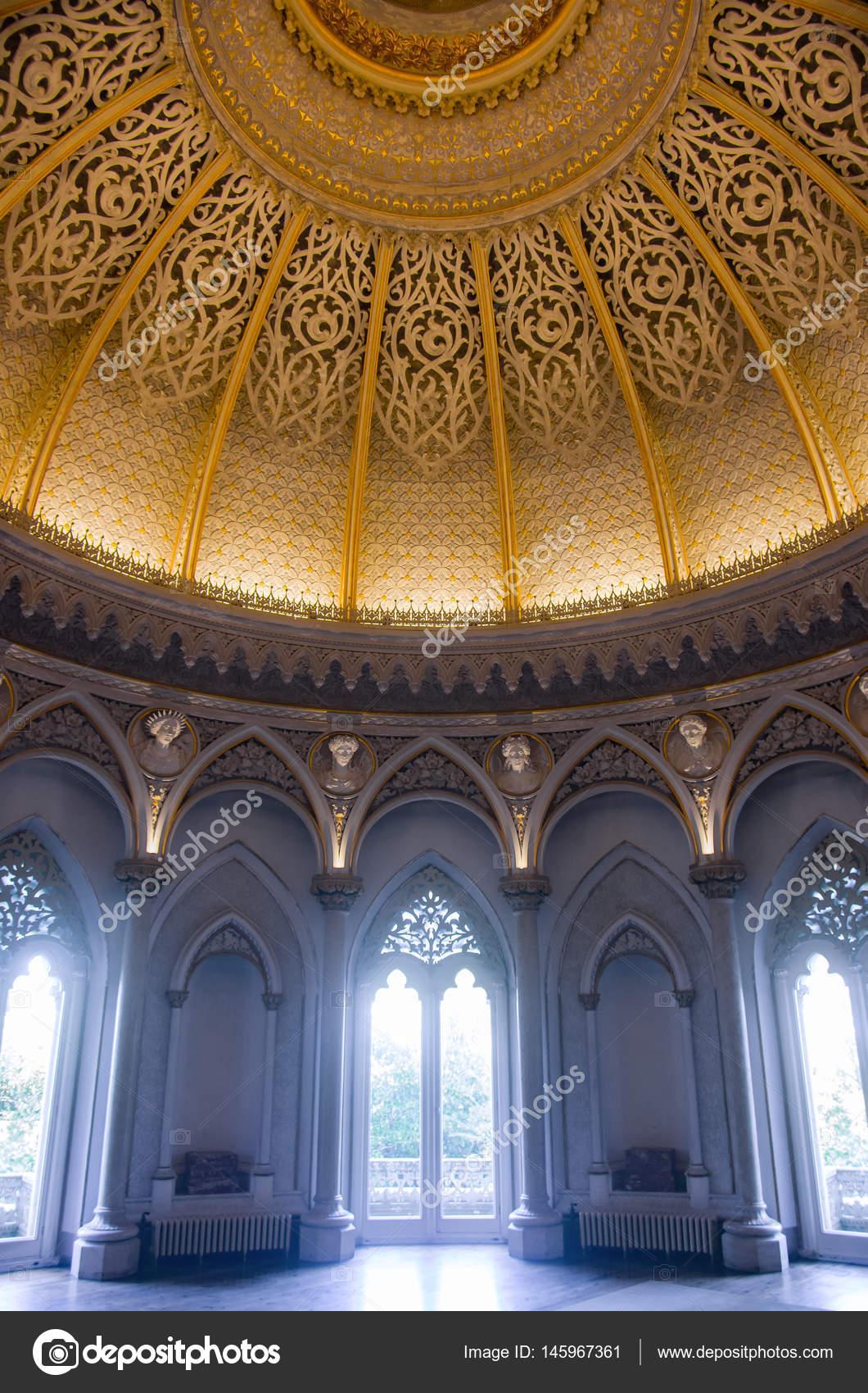 eingerichtete Zimmer in Monserrate Palace — Stockfoto © ccaetano ...