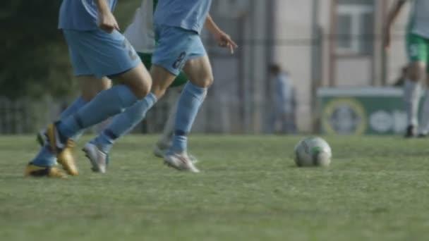 labdarúgó játékos játszik labdarúgó stadion