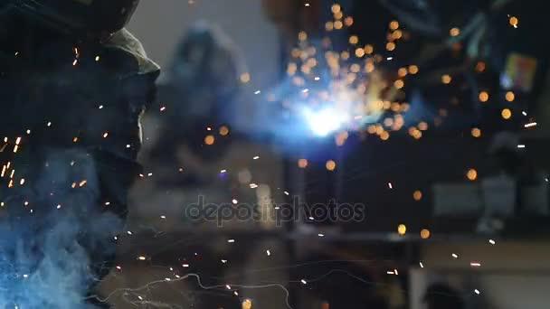 Работа на сварочном аппарате видео сварочные аппараты pr 200