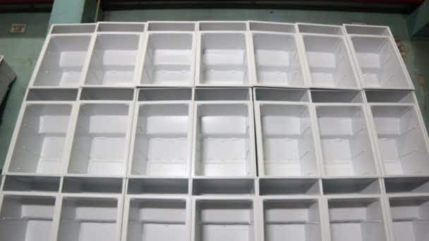 dokončené lednice bílá těla bez dveří