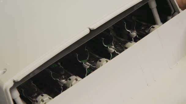 Kühlschrank Led : Moderne blaue led kühlschrank lampen getestet u stockvideo