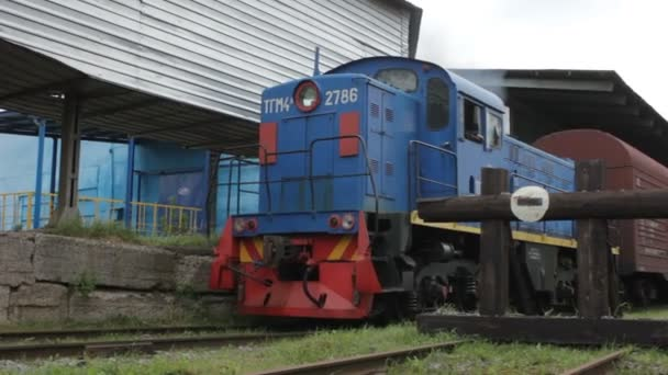 lokomotiva dopravu vozy s nákladem