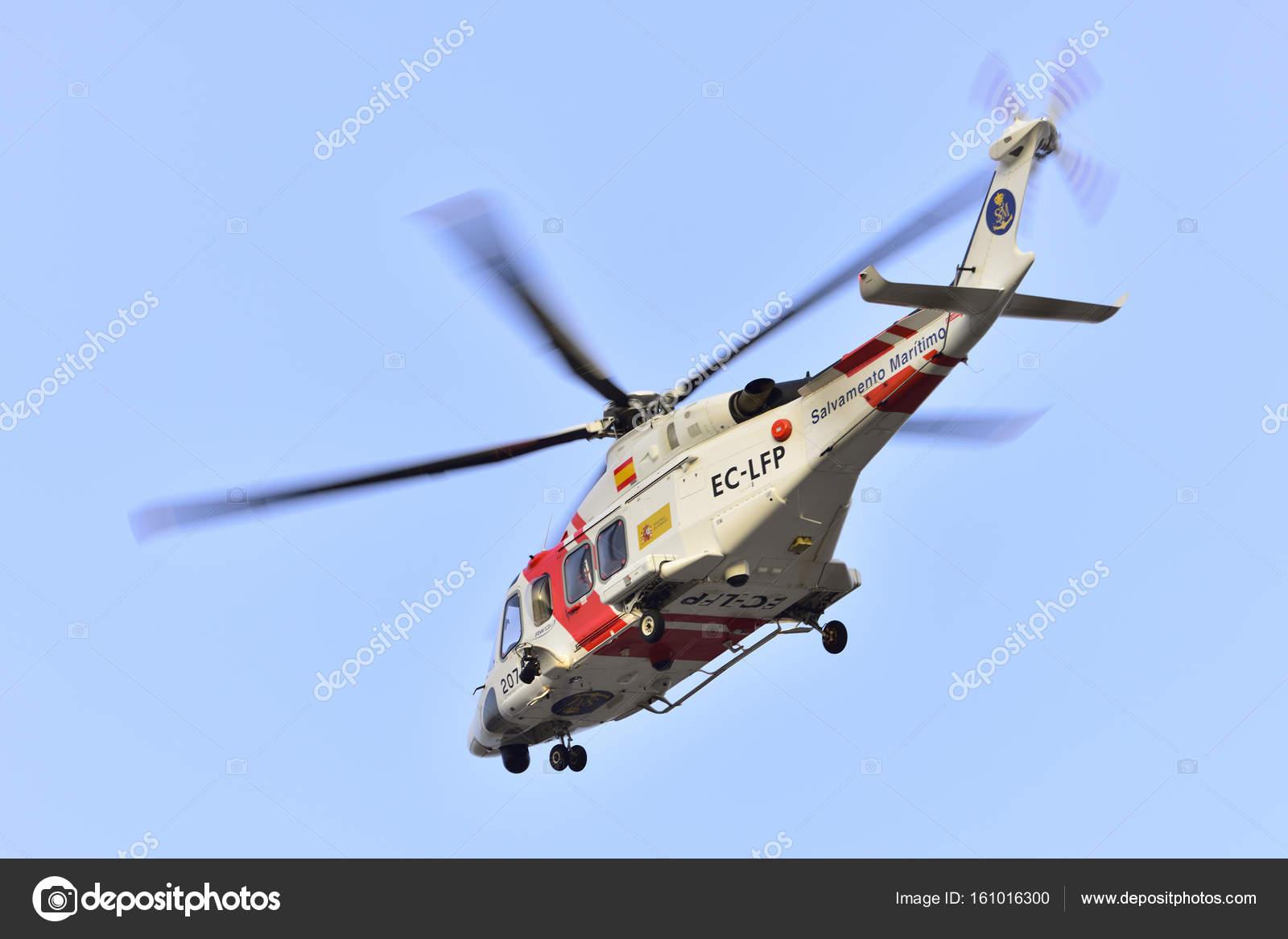 Elicottero 139 : 17 luglio tenerife: elicottero di salvataggio in mare. 17 luglio