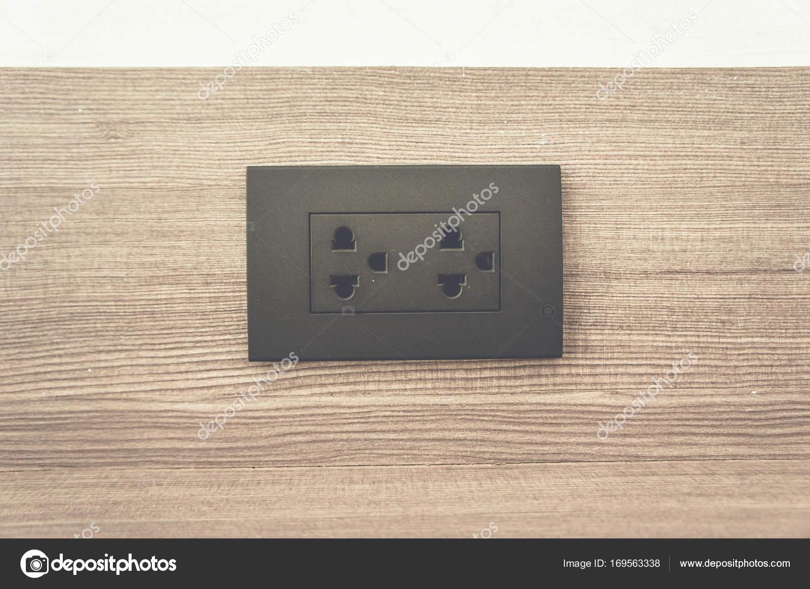 Steckdose Schalter an Wand in Haus, Geräte, die elektrische ...