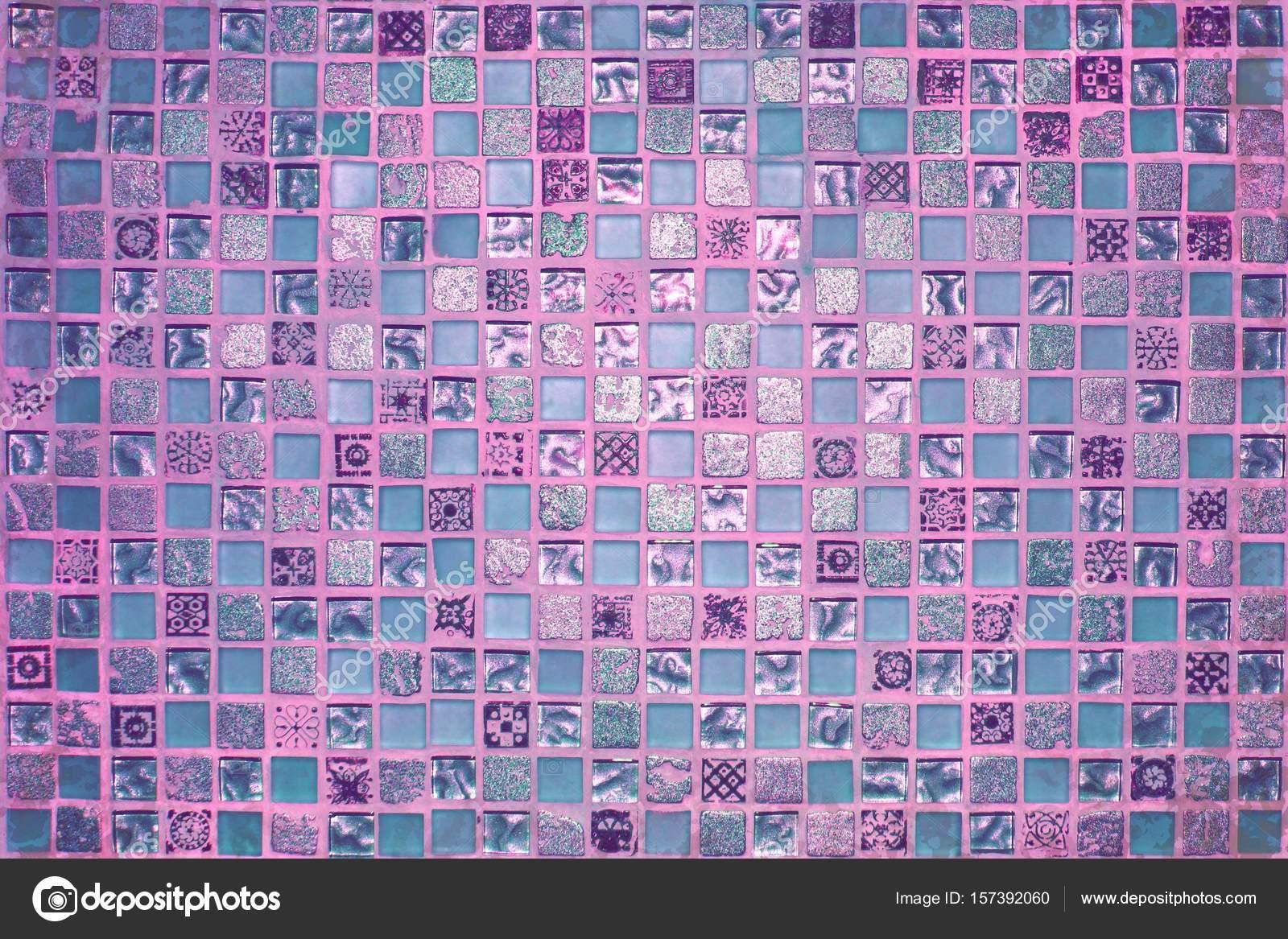 Rosa Im Alter Von Kleinen Mosaikfliesen Stockfoto C Anton Medvedev