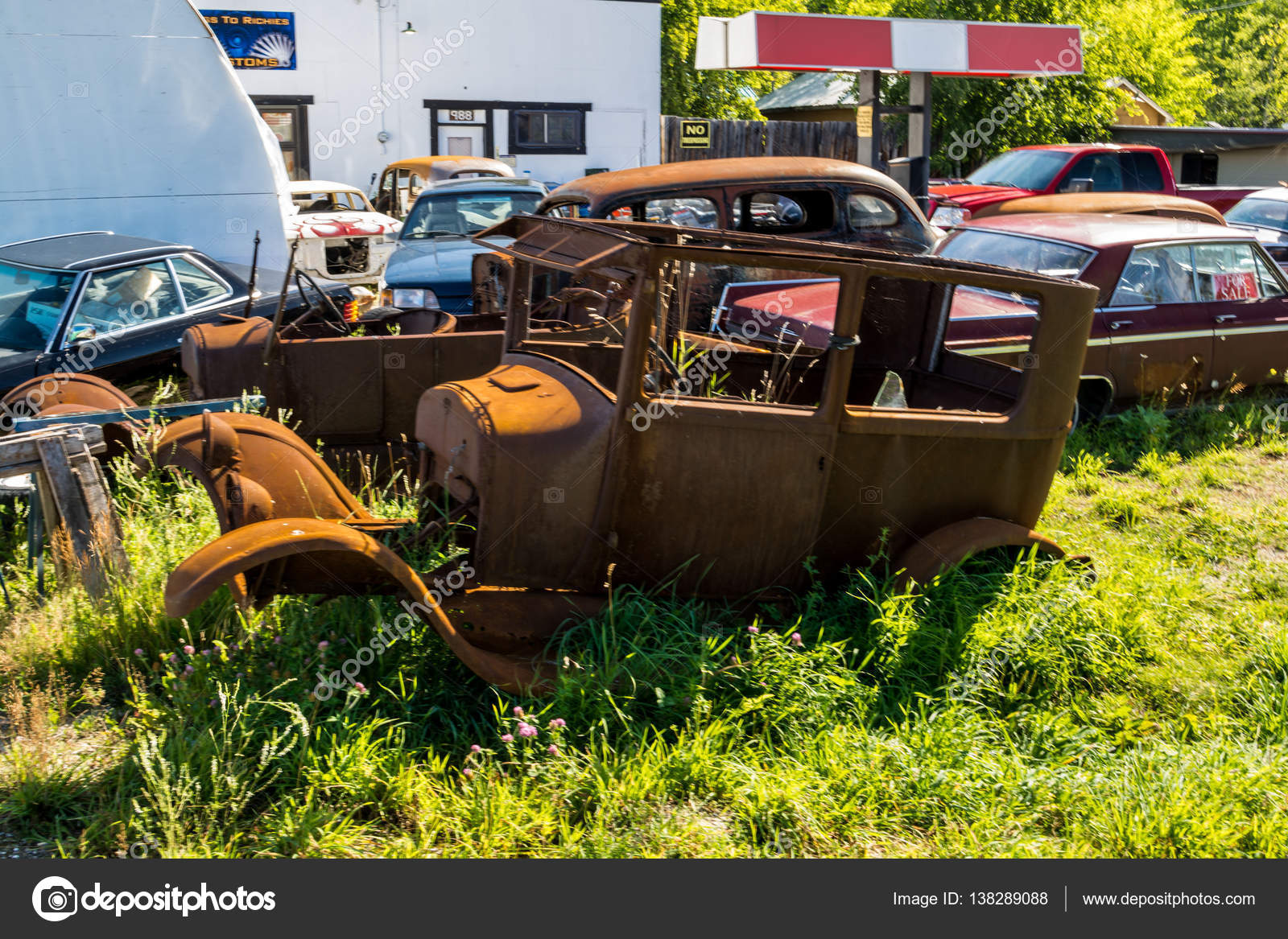 Occasional old car — Stock Photo © shkonstantin #138289088