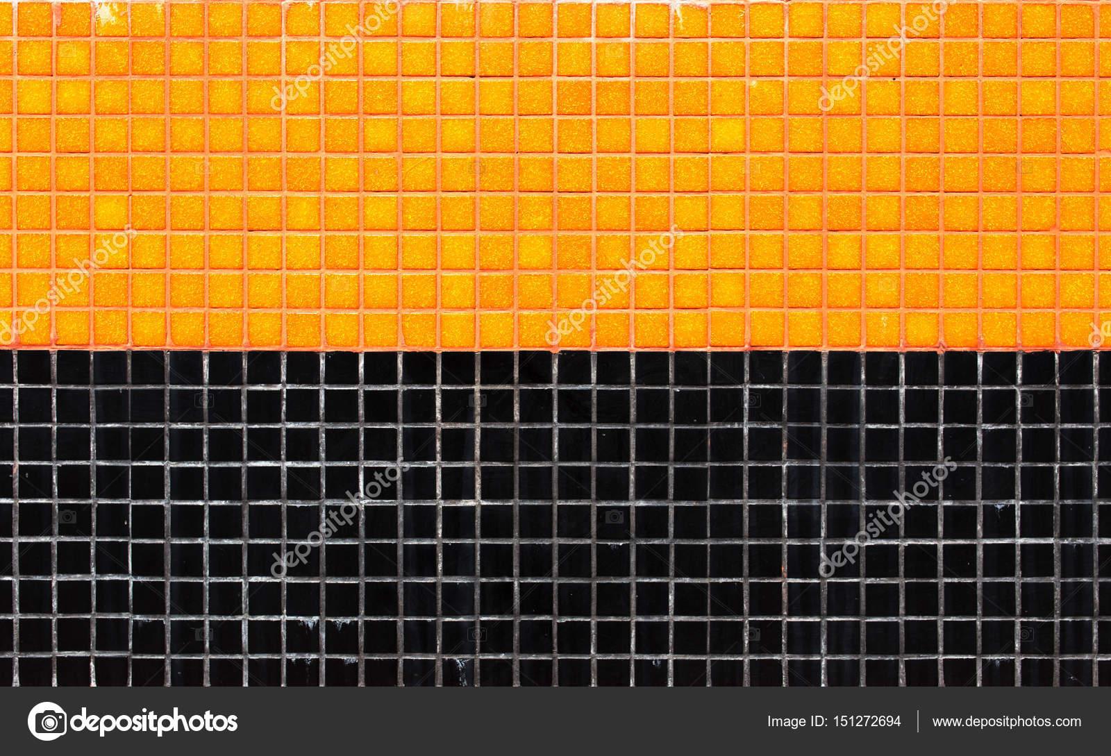 Piastrelle di ceramica colorato mosaico arancio e nero priorità