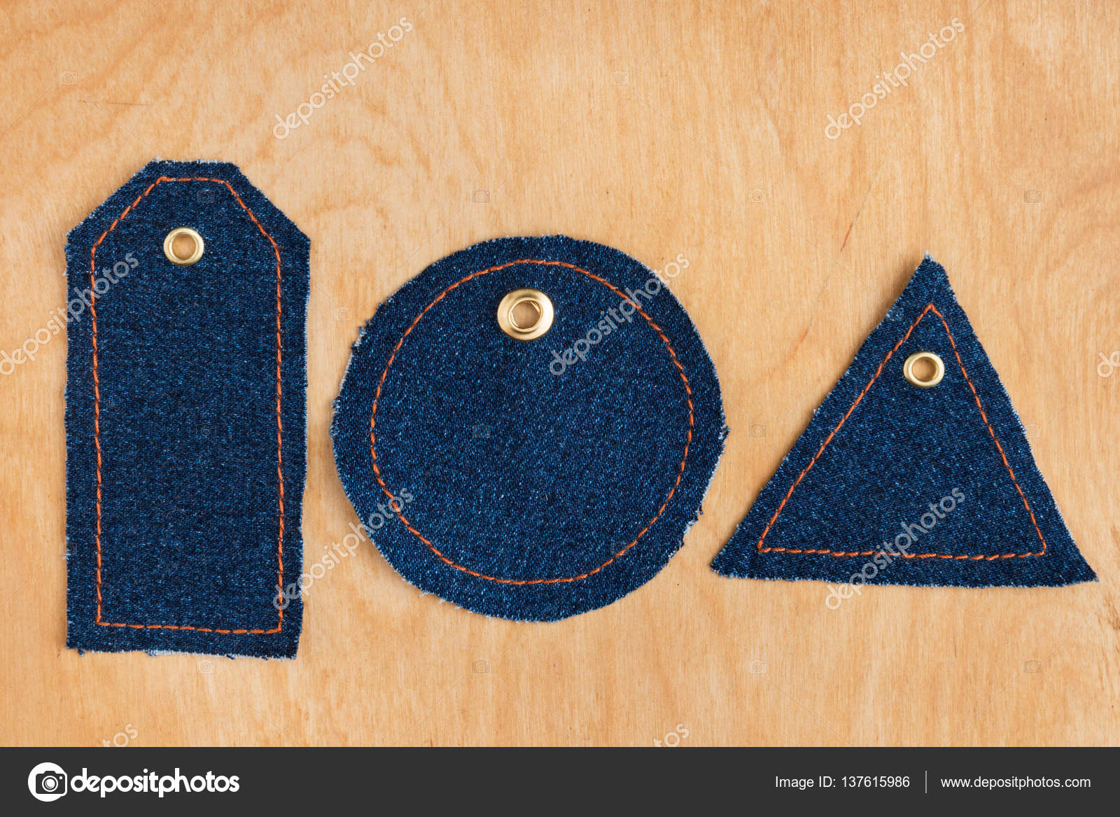 848f7797b Etiquetas de precio de los pantalones vaqueros — Foto de Stock