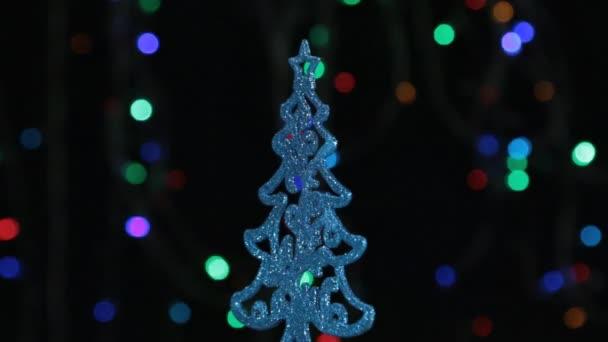 Decorazioni Albero Di Natale Blu : Primo piano rotazione di un albero di natale blu decorazione di