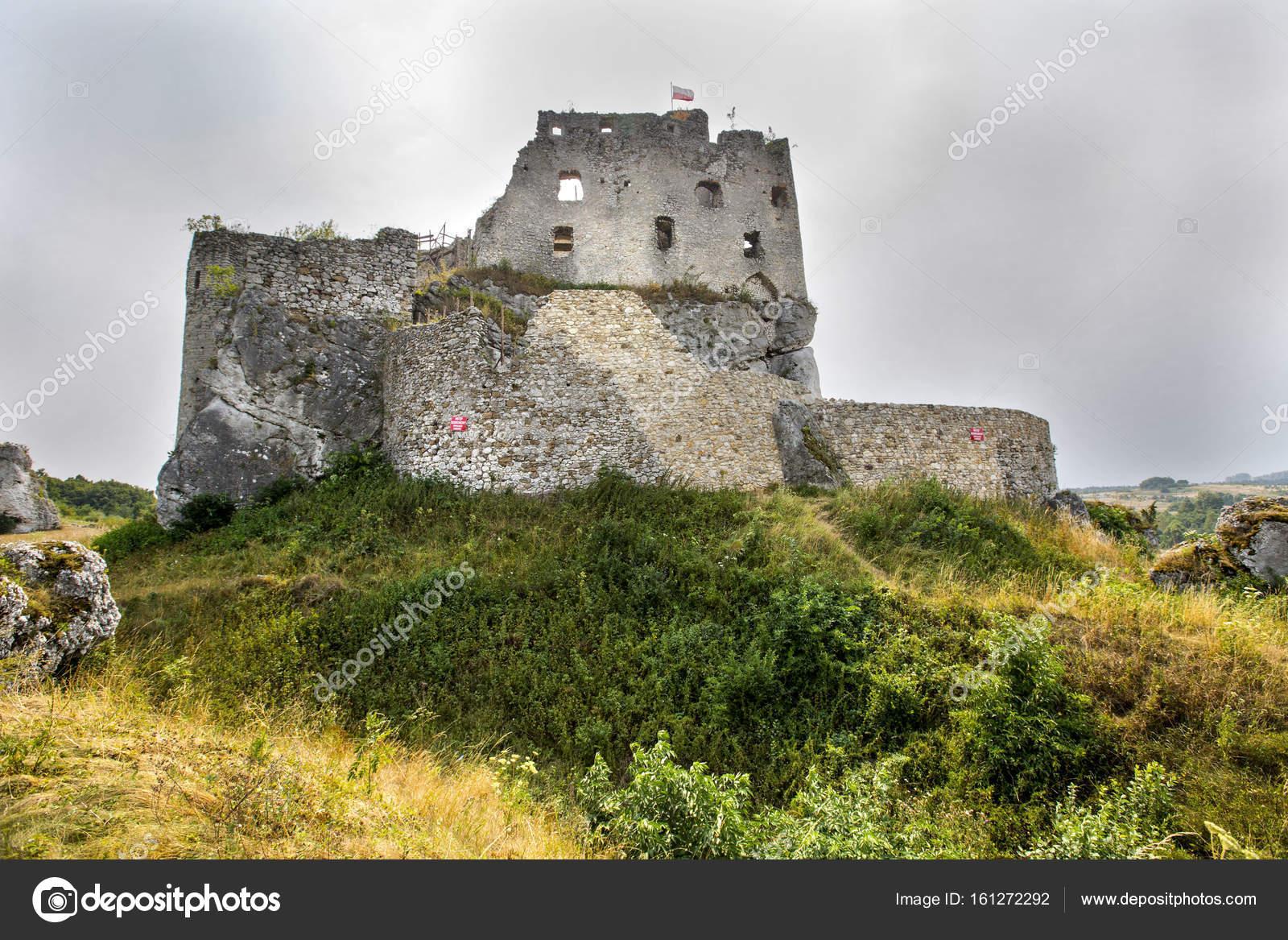 Pittoresche Rovine Del Castello A Mirow Su Jura Krakowsko Czestochowa Foto Di Warant