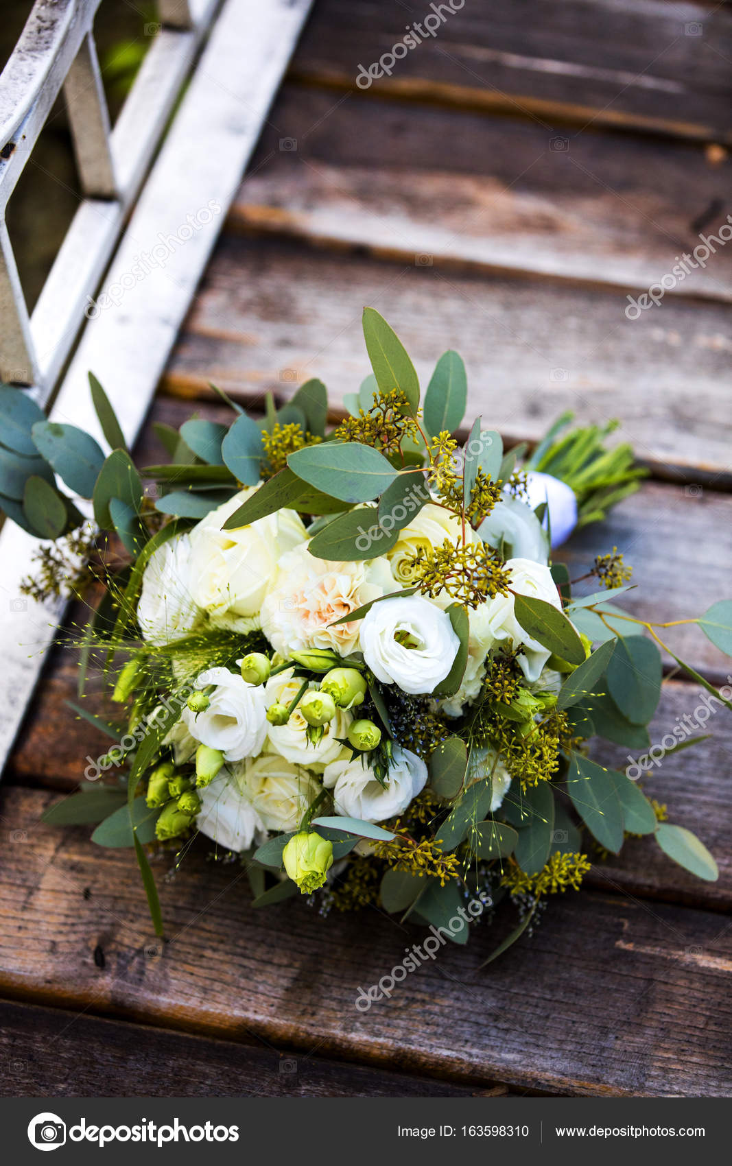 30e05cdace15 Composición de Ramos de flores para la novia — Foto de stock ...