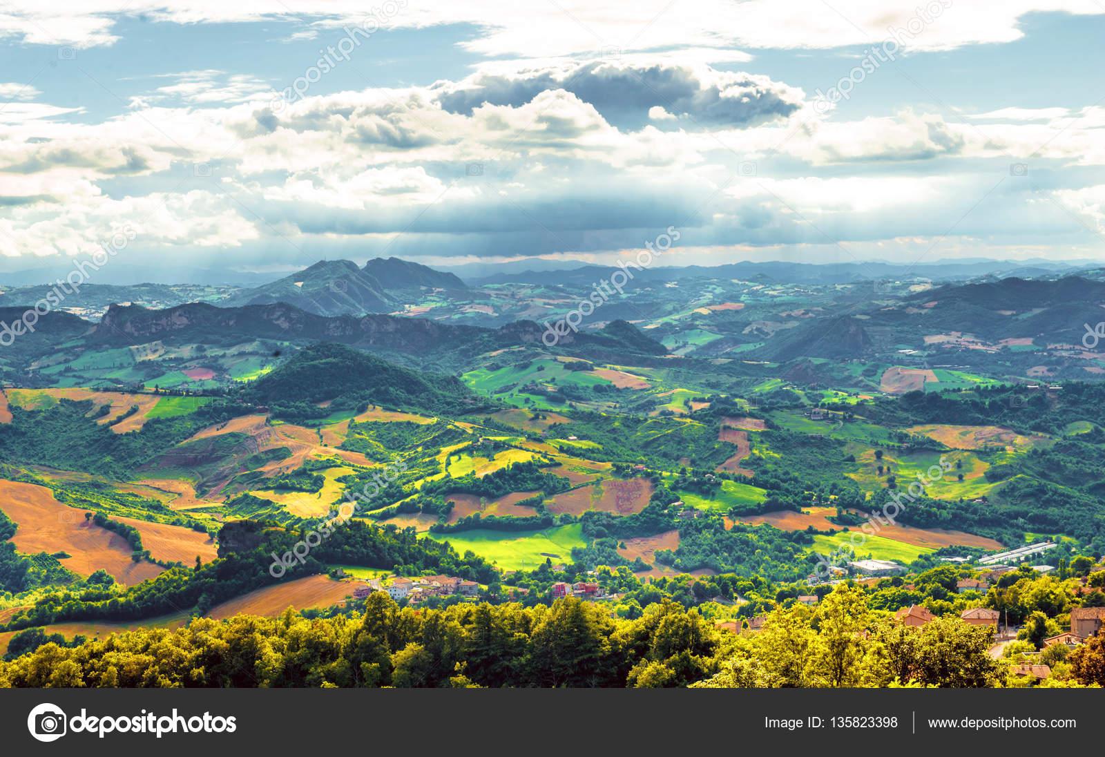 panorama di San marino — Foto Stock © hakunamatata372 #135823398