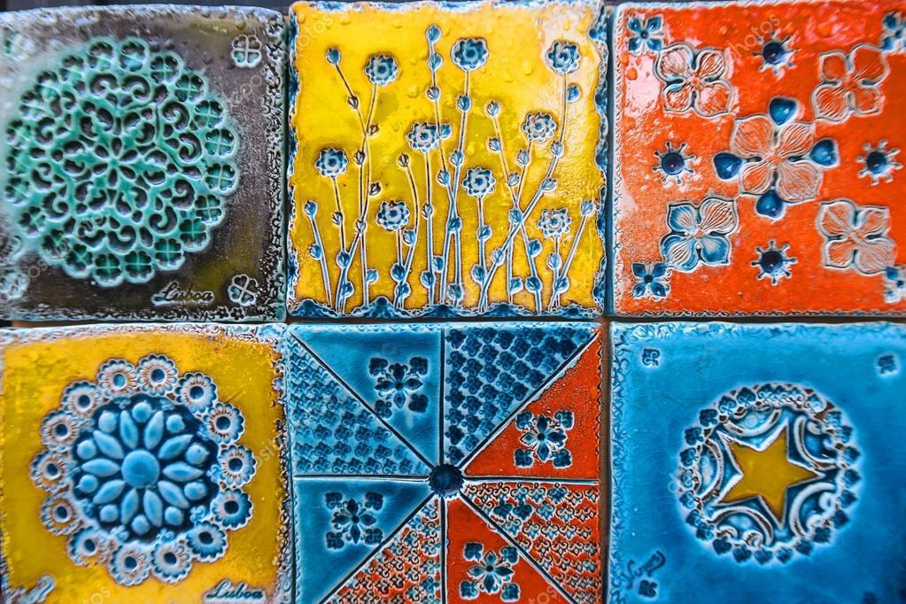sch ne bunte portugiesische fliesen ornamente stockfoto hakunamatata372 150310664. Black Bedroom Furniture Sets. Home Design Ideas