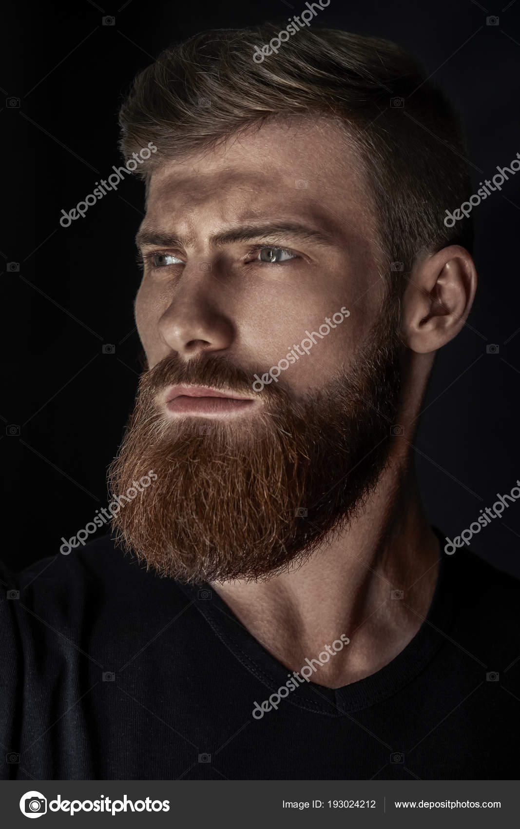 Vertical portrait of a man with beard and modern hairstyle — Stock ...