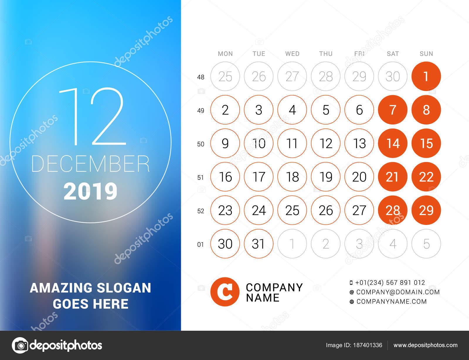 2019 decemberi naptár December 2019. Asztali naptár 2019 évre. Vector design nyomtatási  2019 decemberi naptár