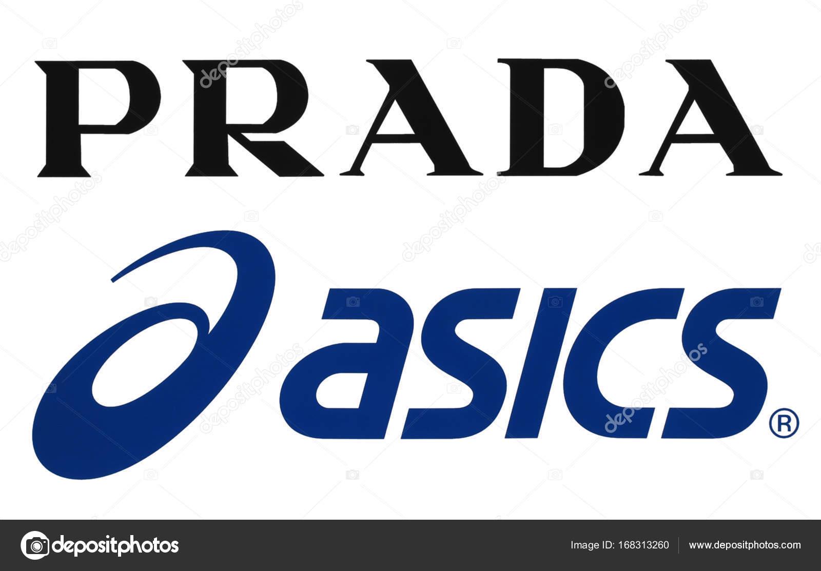 Colección de ropa deportiva popular fabrica logotipos– Fotografía editorial  de stock df2a92971ba0