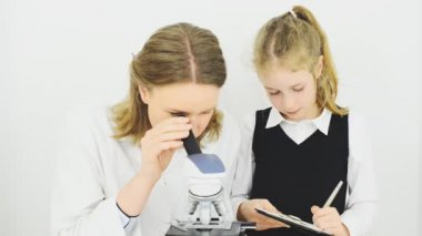 how microscopes have helped in studying This is a relatively inexpensive means of effecting the resolution of the microscope and thus nearly all microscopes are even inexpensive microscopes have.