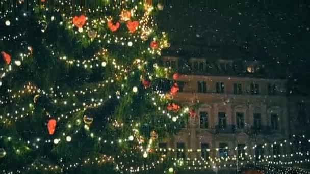 Vánoční strom na náměstí Rådhuspladsen.