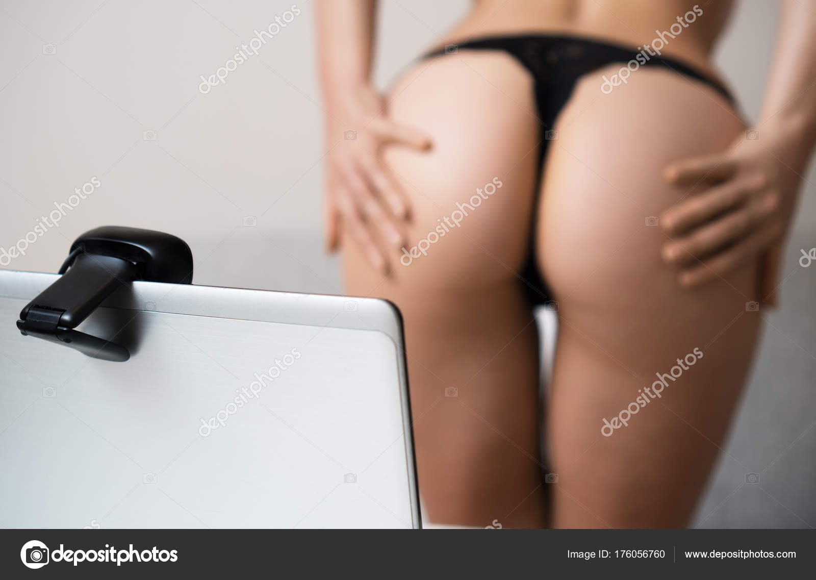 Женщины виртуальный секс