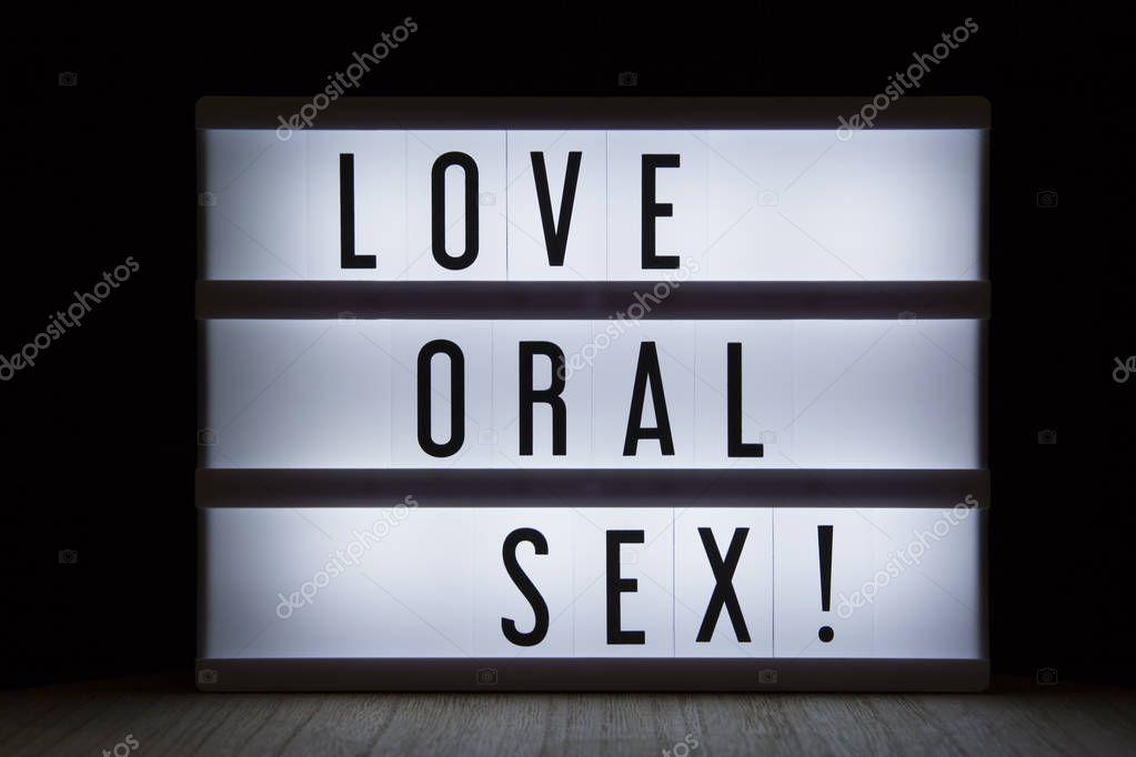 oralniy-seks-metrika-v-kontakte-v-sperme-masturbiruet