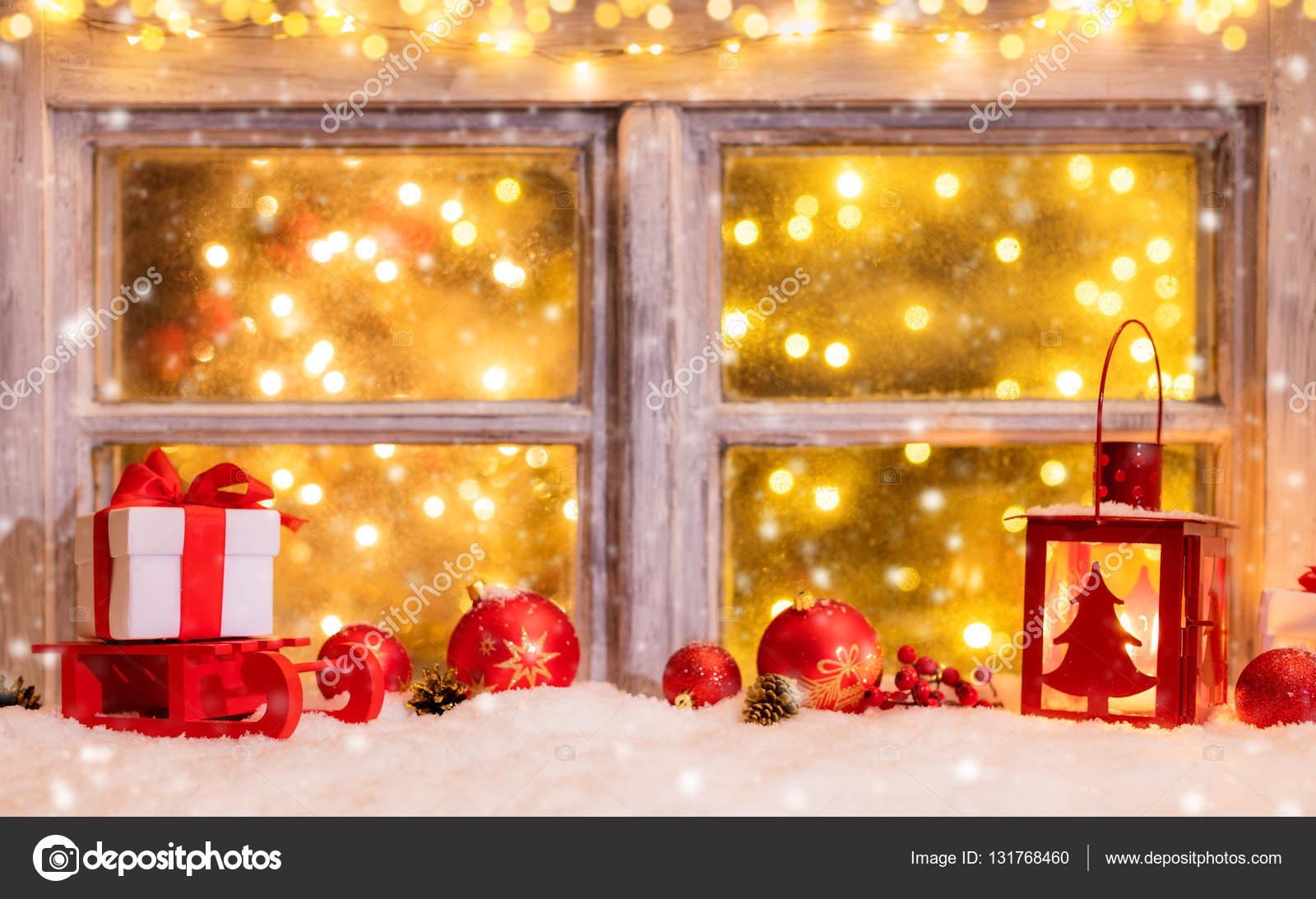 Stimmungsvolle Weihnachten Fensterbank Mit Dekoration Stockfoto