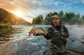 Sport horgász gazdaság trófea hal. Kültéri halászat folyó
