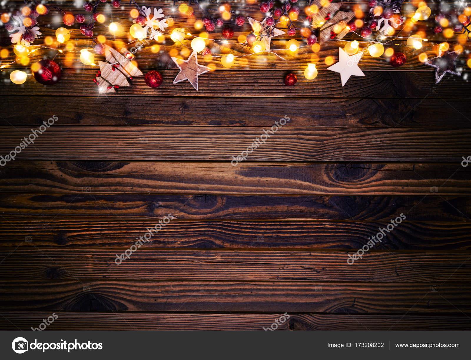 Weihnachten Hintergrund mit Holzdekorationen und Scheinwerfer ...