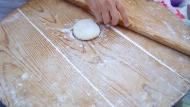 Kenyérsütés fából készült asztal háttér.