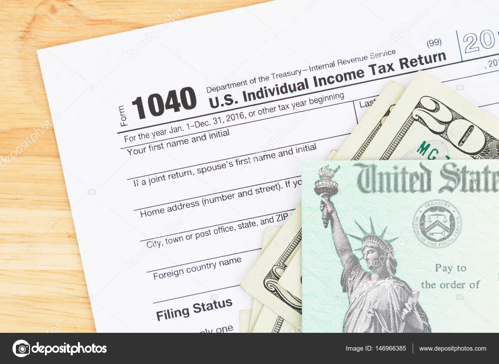 A Us Federal Tax 1040 Income Tax Form Stock Photo Karenr 146966385