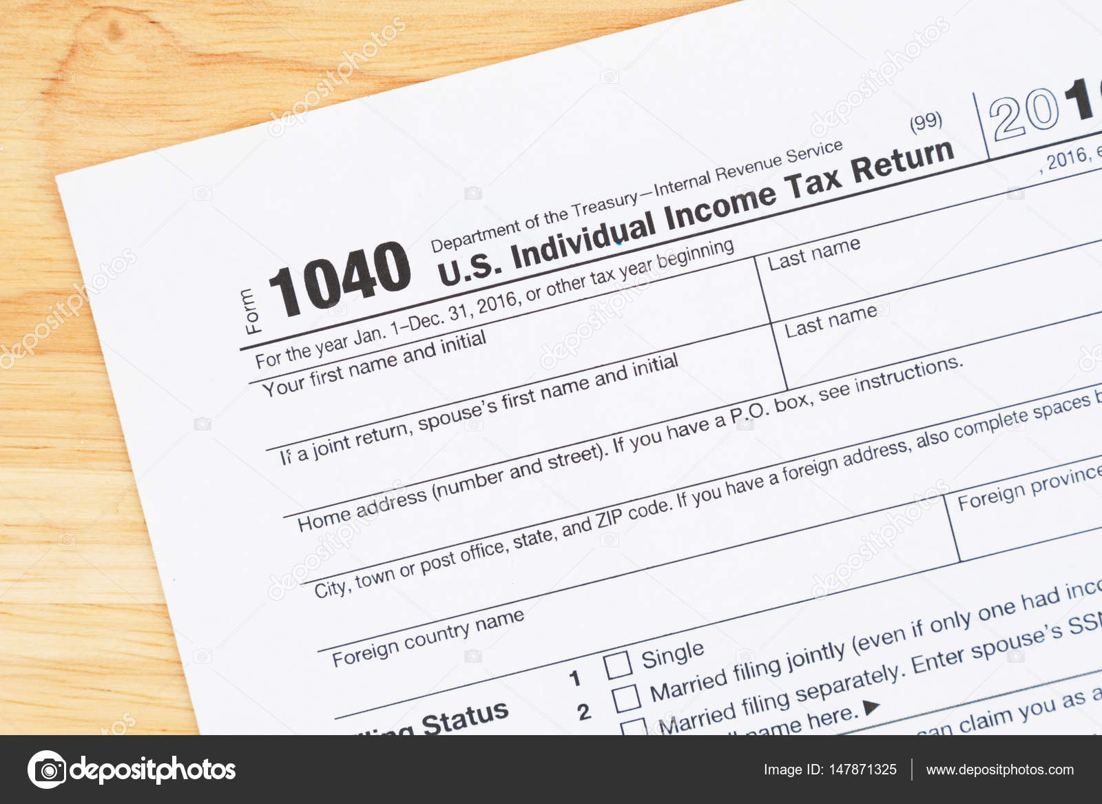 A Us Federal Tax 1040 Income Tax Form Stock Photo Karenr 147871325