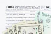 Formě nás federální daň z příjmu daň 1040