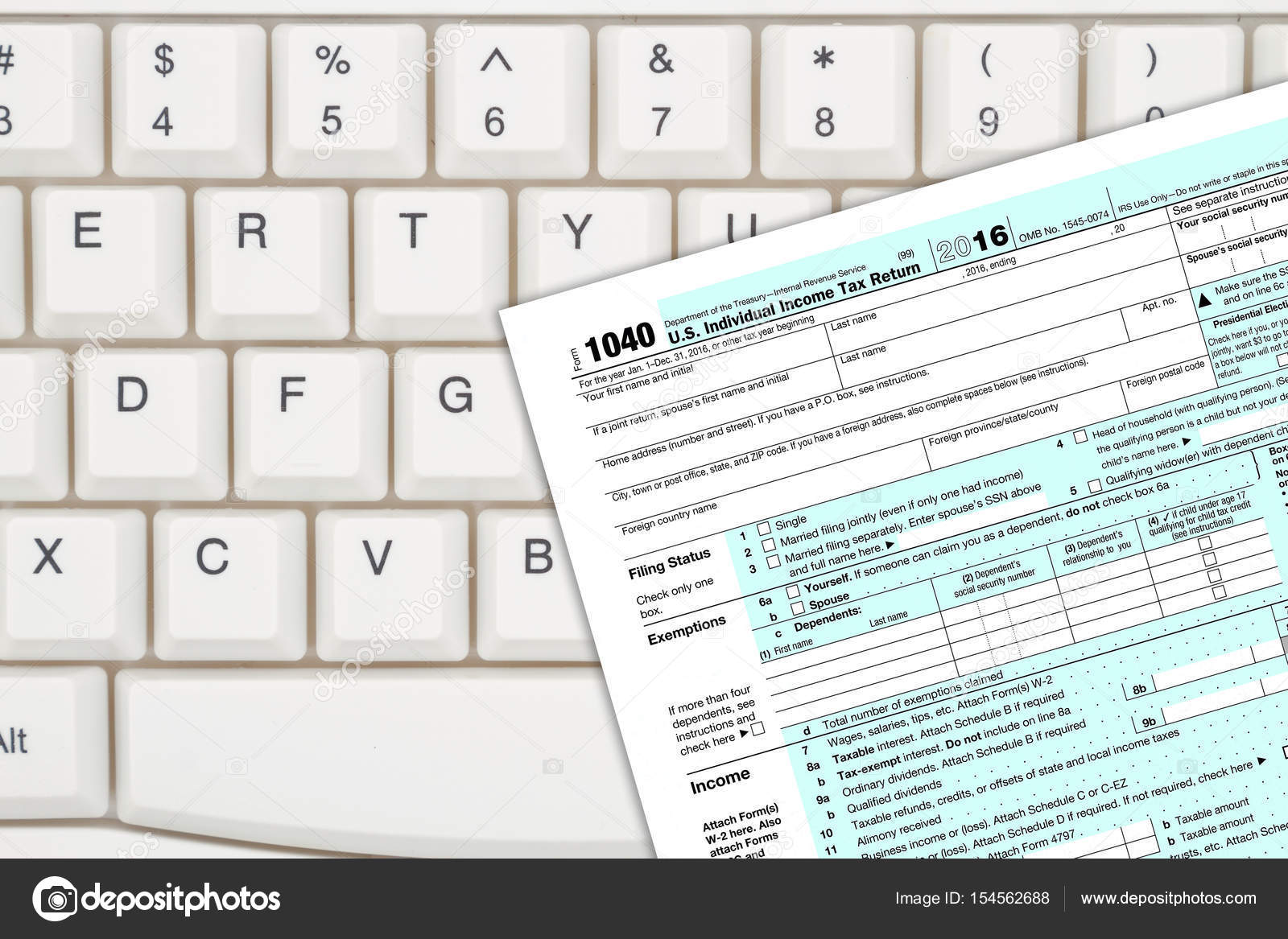 A Us Federal Tax 1040 Income Tax Form Stock Photo Karenr 154562688