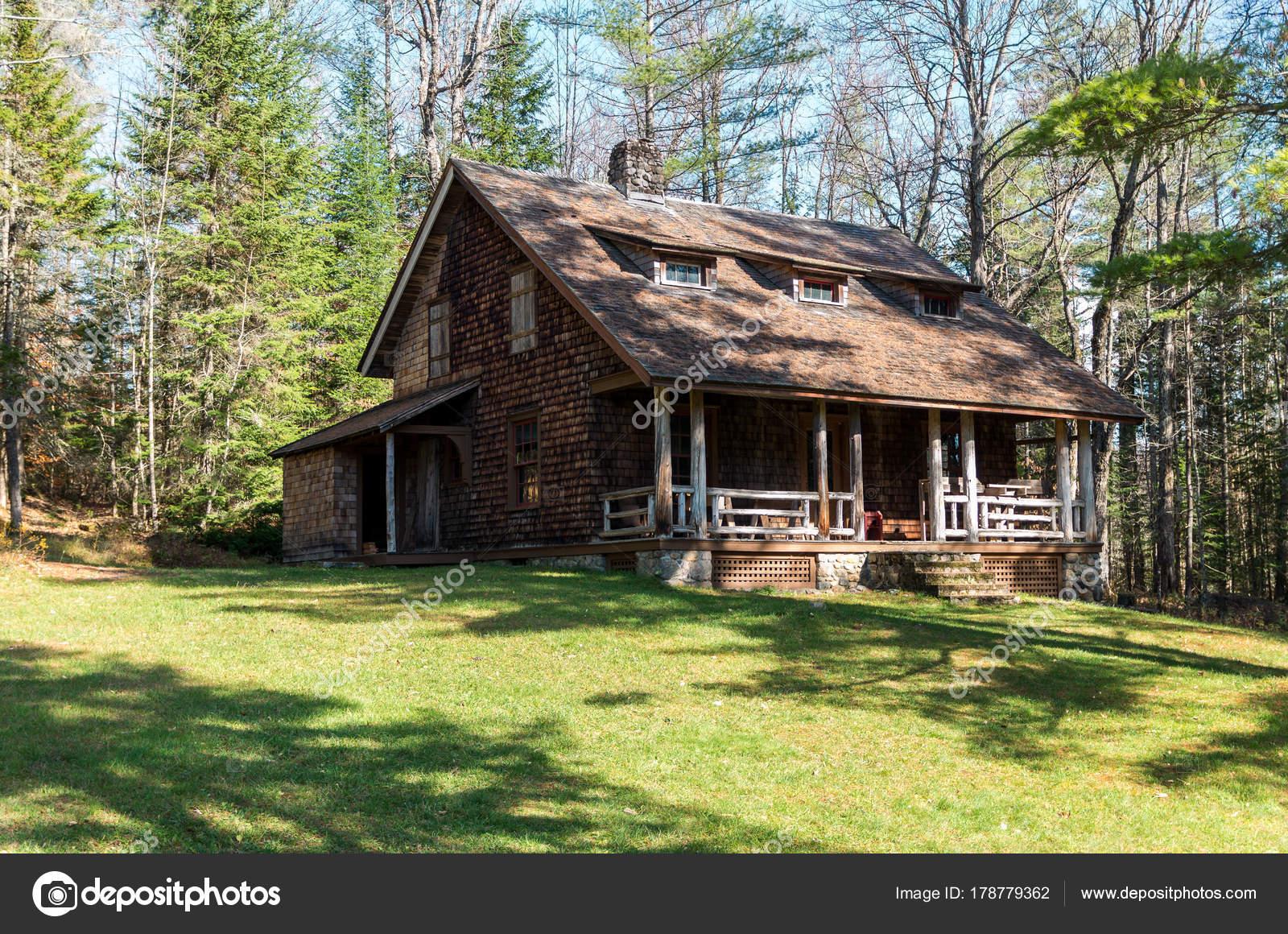 De Boerderij Huizen : Oude boerderij huizen en ruïnes in het geweldige kamp van