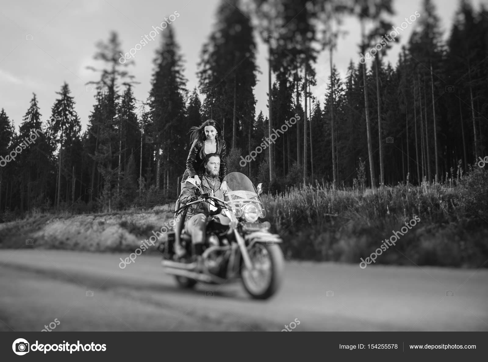 Moto conduite debout