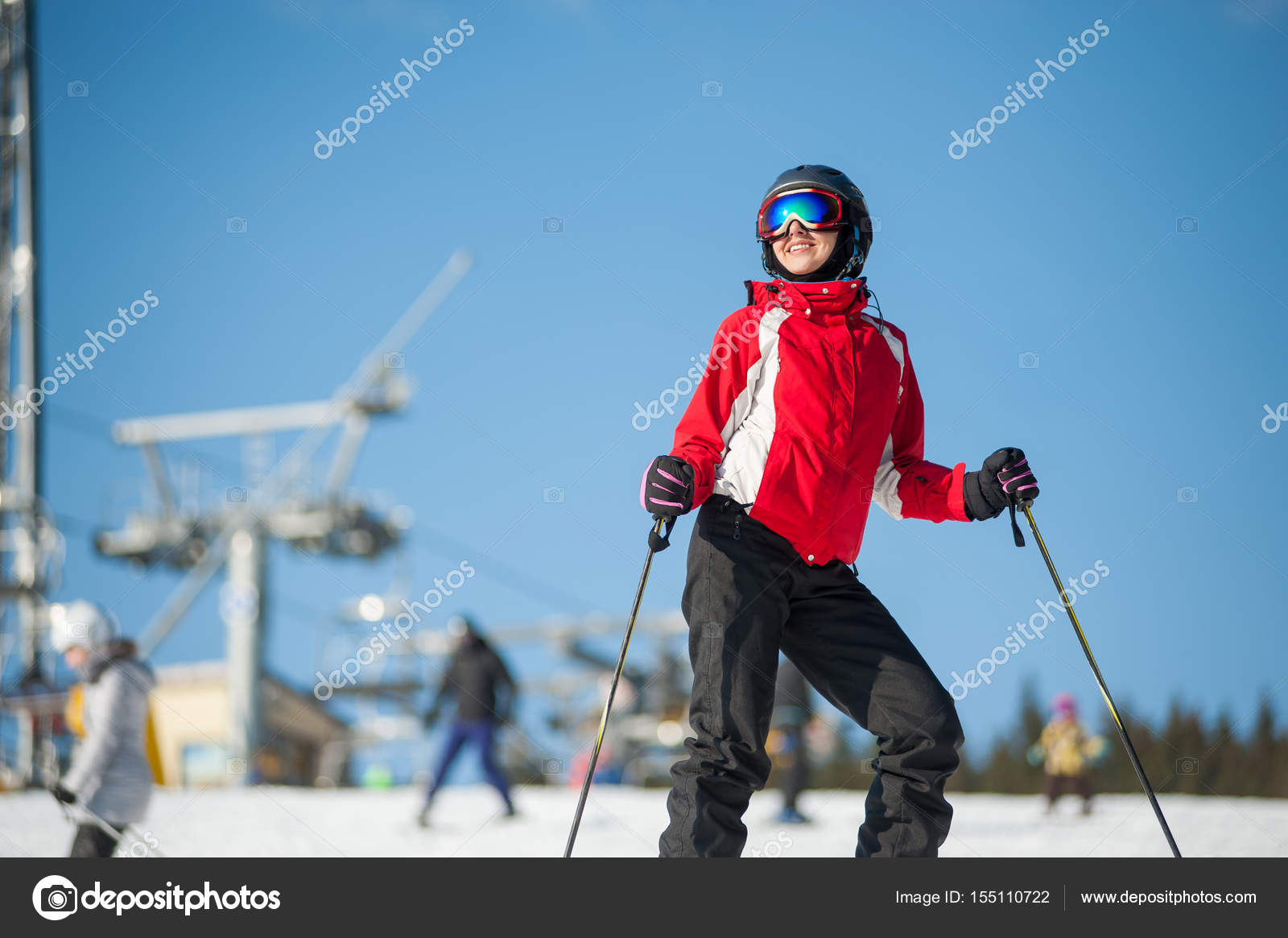 ca66d4dd8f9 Woman skier with ski at winer resort in sunny day — Stock Photo ...