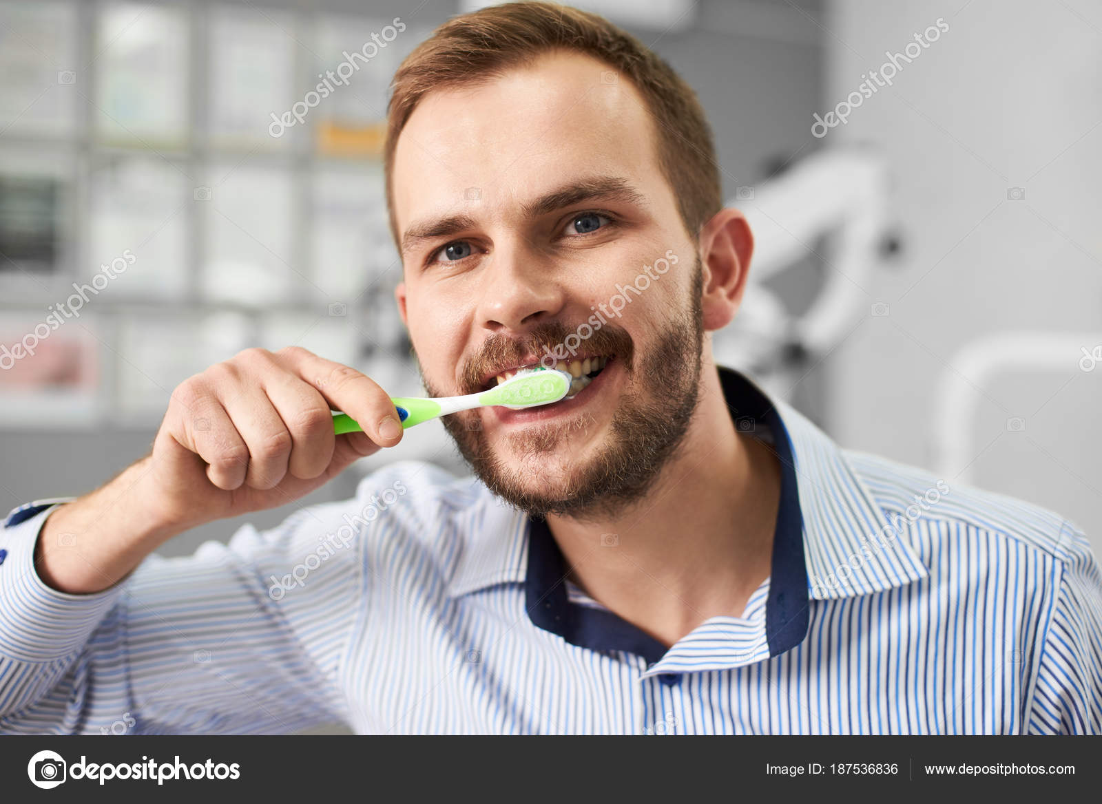 Selbstbefriedigung Zahnbürste